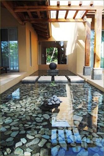 Phong thủy còn cho rằng, phía trước nhà có hồ nước thường được ví như tụ thủy trước nhà.