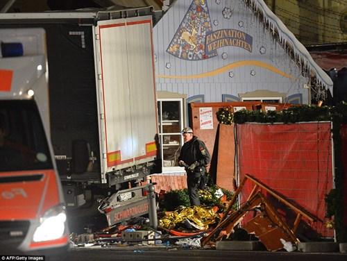 Chiếc xe tải gây án có số đăng kí của Ba Lan có thể đã bị đánh cắp từ một công trường xây dựng ở Ba Lan.