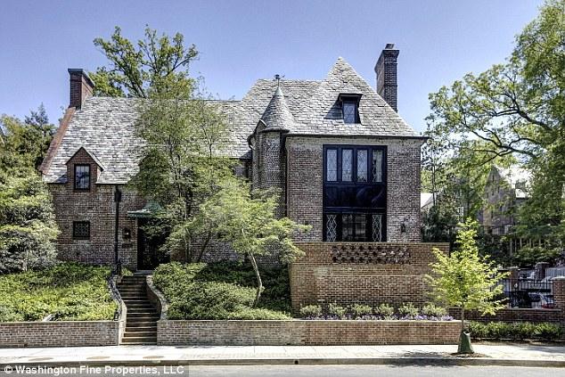 Khu biệt thự được xây dựng từ năm 1928 thự được thiết kế vô cùng thoải mái và tiện lợi.