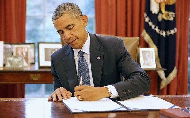 Tổng thống Obama là một người thuận tay trái