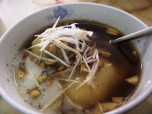 Bánh trôi tàu là món ăn được nhiều người Hà Nội yêu thích trong mùa đông