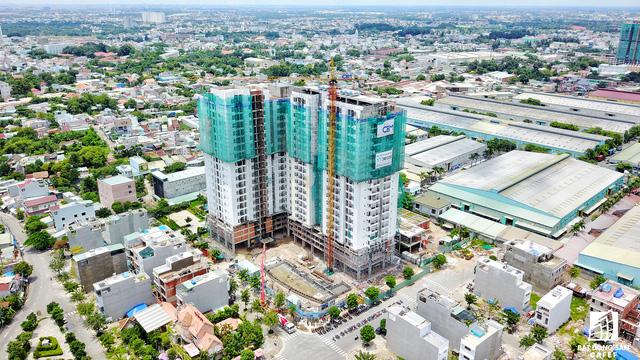 Các dự án chung cư nổi trội khu vực này có thể kể đến 1 số dự án đã công bố từ GĐ 2015-2016 của các công ty như Thủ Đức House, C.T Group, Đất Xanh Group...Him Lam Land có dự án Him Lam Phú Đông.