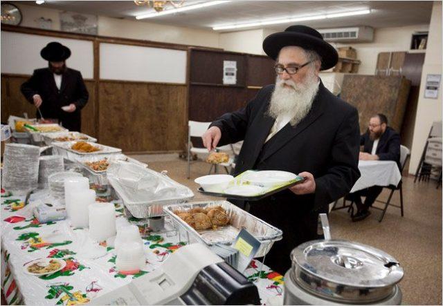 Người Do Thái chỉ ăn thức ăn Kosher.