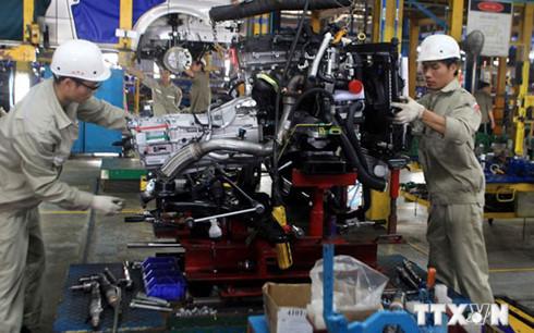Thuế nhập khẩu về 0% đang gây sức ép lớn cho các doanh nghiệp lắp ráp ô tô ở Việt Nam. (Ảnh minh họa: KT)