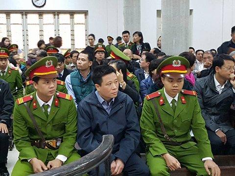 Hà Văn Thắm tại phiên tòa sơ thẩm lần 1 hồi tháng 3.