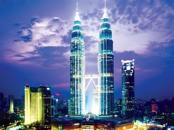 Tháp đôi Petronas, biểu tượng thành tựu kinh tế Malaysia.