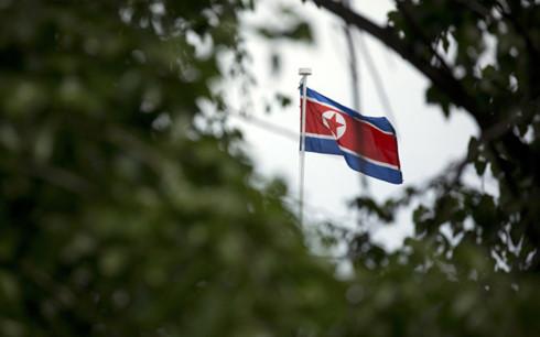 Cờ Triều Tiên trong Đại sứ quán Triều Tiên ở Bắc Kinh, Trung Quốc. (Ảnh: AP)