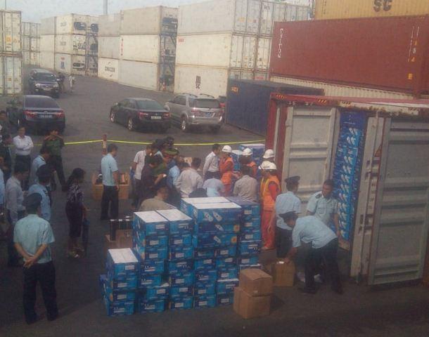 thu giữ container hàng nhập lậut