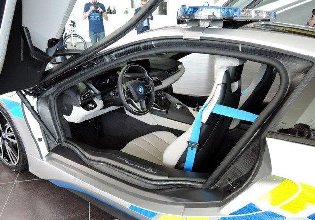 Chỉ xe xế hộp chạy xăng kết hợp có năng lượng điện (nạp điện bằng hệ thống sạc điện riêng), mới được hưởng thuế ưu đãi.