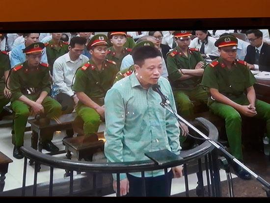 Hà Văn Thắm tại tòa tháng 9/2017