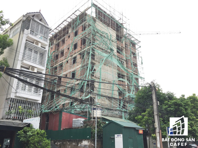 8 năm sau ngày khởi công, tòa chung cư này vẫn chỉ dừng lại ở tầng 8.