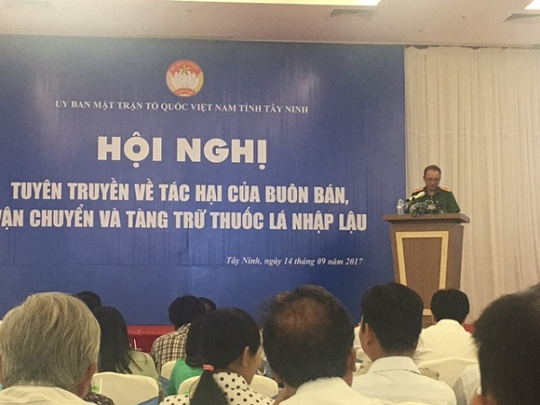 Thuốc lá lậu vẫn ồ ạt tuồn vào Việt Nam