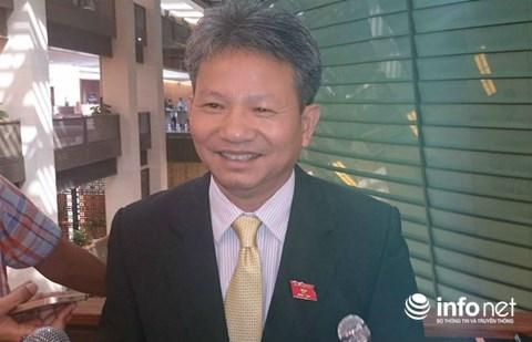 Tiến sỹ kinh tế, ĐBQH Đỗ Văn Sinh, Ủy viên thường trực Ủy ban Kinh tế của Quốc hội, Đoàn ĐBQH tỉnh Quảng Trị.