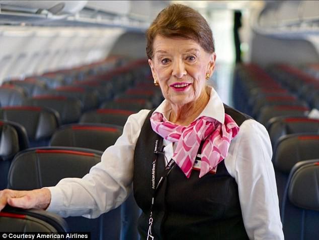 Nữ tiếp viên 81 tuổi Bette Nash của hãng hàng không American Airlines.