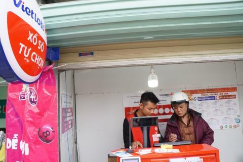Nhiều địa điểm bán Vietlott tại Hà Nội vẫn đang vắng khách