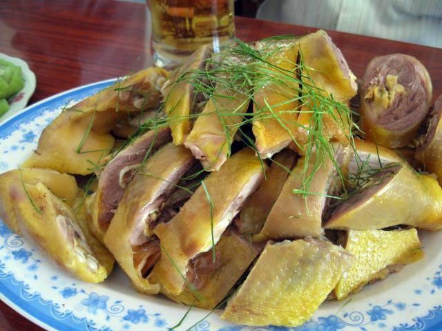 Nên ăn thêm cá và thịt gà thay thế thịt đỏ (Ảnh minh họa)