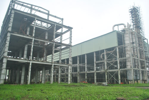 Dự án ethanol Phú Thọ vẫn đắp chiếu khi còn dang dở. Ảnh: L.Bằng