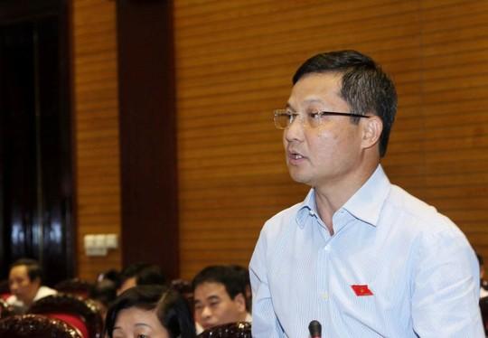 Ông Ngoạn tốt nghiệp Đại học Ngoại Thương vào những năm đầu thập kỷ 90 của thế kỷ trước.