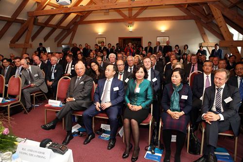 Các đại biểu dự tọa đàm. Ảnh: VGP/Thành Chung