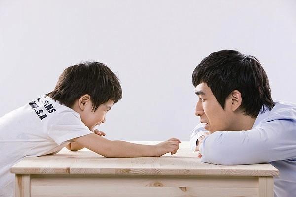 Chỉ với 3 bát mì, người bố trong câu chuyện trên đã dạy con trai mình bài học đắt giá về được và mất, về cho đi và nhận lại (Ảnh minh họa).