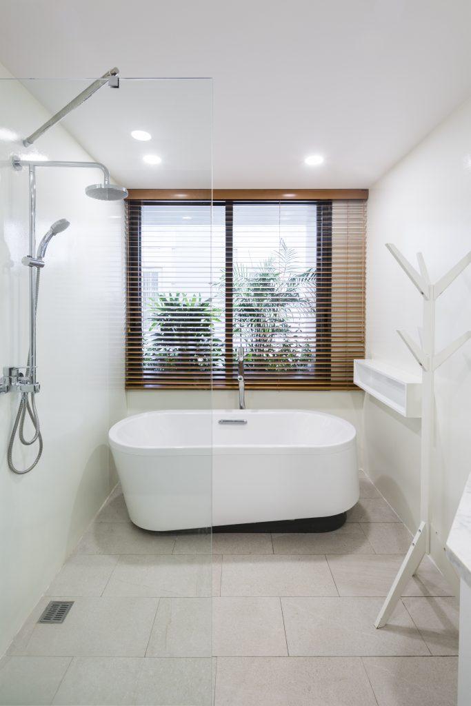 Nhà tắm được trang bị hiện đại.