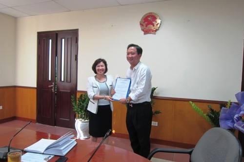 Ngày 7/10/2013, Thứ trưởng Hồ Thị Kim Thoa trao quyết định bổ nhiệm Phó Chánh Văn phòng Bộ, Trưởng đại diện Bộ Công thương tại Đà Nẵng cho ông Trịnh Xuân Thanh