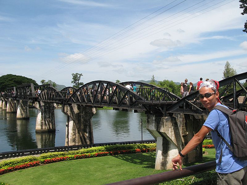 Cầu qua sông Kwai hấp dẫn du khách ghé thăm