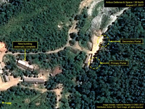 Các cổng chính (primary) và cổng phụ (secondary) của bãi thử. (Ảnh: 38 North)