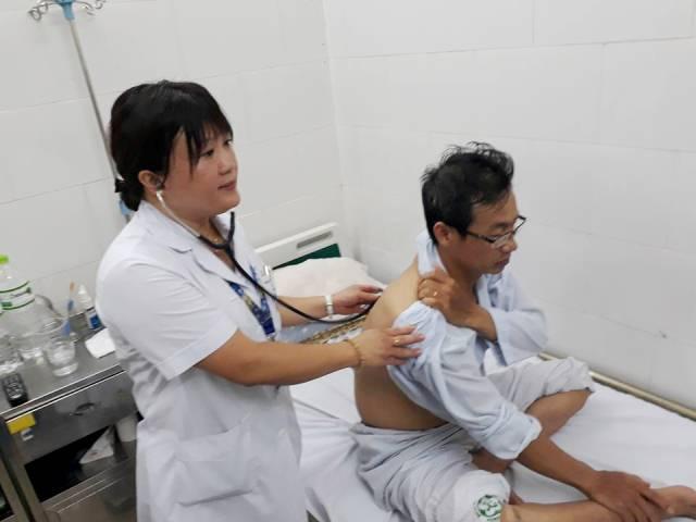Bệnh nhân SXH điều trị tại phòng Nhiễm khuẩn tổng hợp, Khoa Truyền nhiễm, BV Bạch Mai.