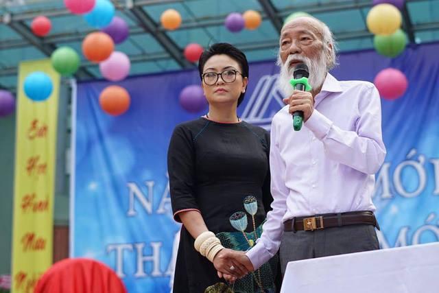 Cô Thùy Dương và thầy Văn Như Cương.