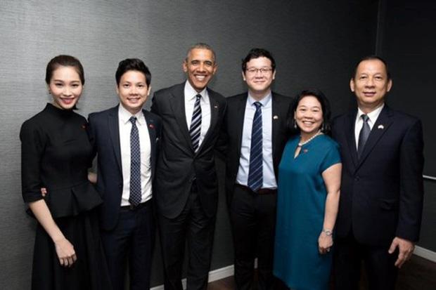 Đặng Thu Thảo và gia đình bà Dương Thanh Thủy trong sự kiện đón tiếp cựu Tổng thống Mỹ Obama đến thăm Tập đoàn.