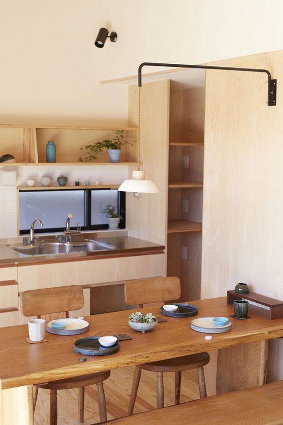 Góc bếp nhỏ luôn gọn gàng, sạch sẽ mang lại một không gian thoáng mát để nấu ăn và thương thức. (Ảnh Pinterest).