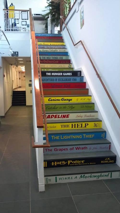 Đây là ý tưởng hoàn hảo nếu khách mua là 1 khách mua trai sách.