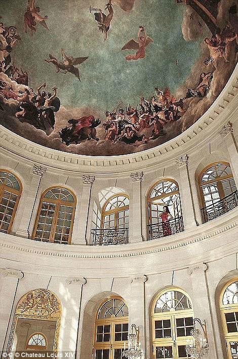 Phong cách kiến trúc từ thời vua Louis XIV của Pháp.