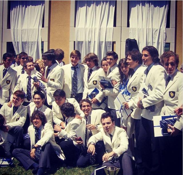 Các nam sinh trường Le Rosey trong một buổi lễ của trường.
