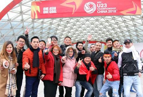 Một không khí rất khác trước ngày diễn ra trận chung kết U23 Châu Á: Màu cờ sắc áo đã tràn ngập khắp phố phường! - Ảnh 36.