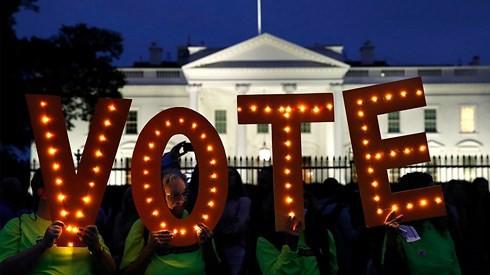 """5 vấn đề """"nóng bỏng"""" bao trùm cuộc bầu cử giữa nhiệm kỳ của Mỹ - Ảnh 1."""