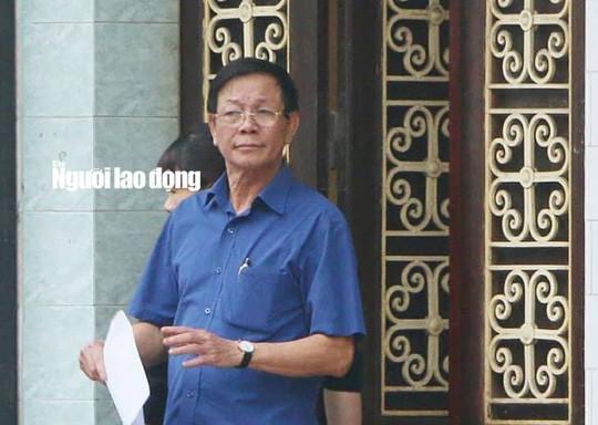 Ông Phan Văn Vĩnh phải nhập viện để điều trị - Ảnh 1.