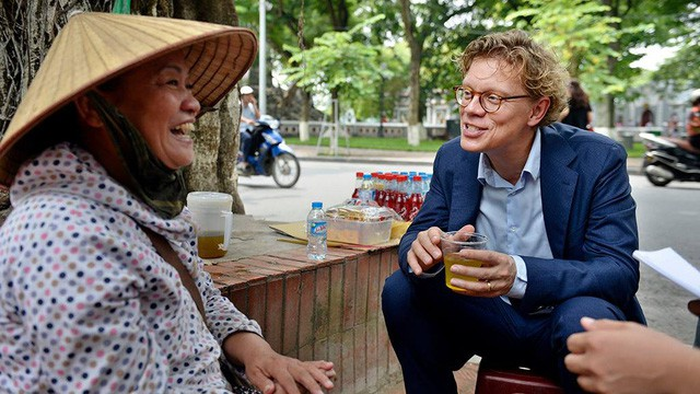 Đại sứ Thuỵ Điển: Đàn ông Việt nên có sự chia sẻ việc gia đình, độc đáo là trách nhiệm nuôi dạy con! - Ảnh 7.