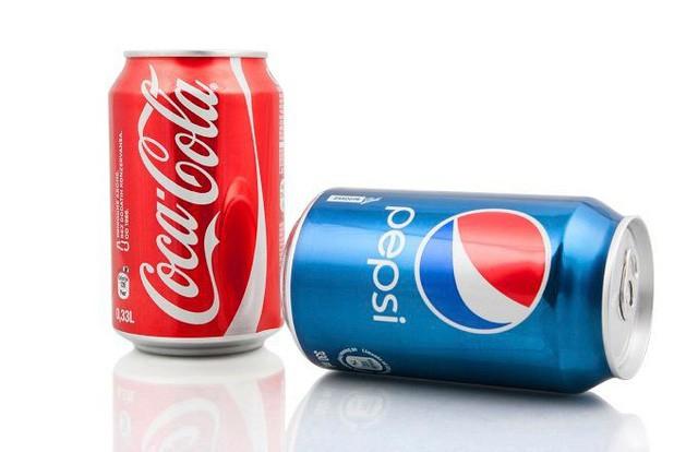 """Đòn trả thù kinh hoàng của Coca-Cola: Thâu tóm 18 nhà máy đâyng chai Pepsi, sơn đỏ 4.000 xe chở hàng và hàng chục ngàn điểm phân phối, """"xóa sổ"""" Pepsi khỏi Venezuela chỉ trong 1 ngày - Ảnh 2."""