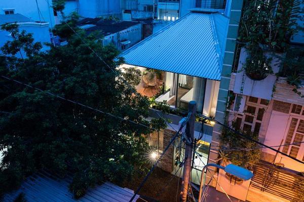 Ngôi nhà cấp 4 cải tạo đẹp như resort giữa Sài Gòn xuất hiện trên báo Mỹ - Ảnh 2.