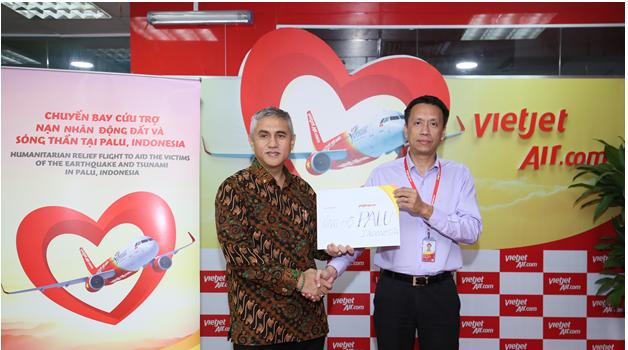 Chuyến bay cứu trợ nạn nhân động đất - sóng thần của Vietjet đã tới Indonesia - Ảnh 5.