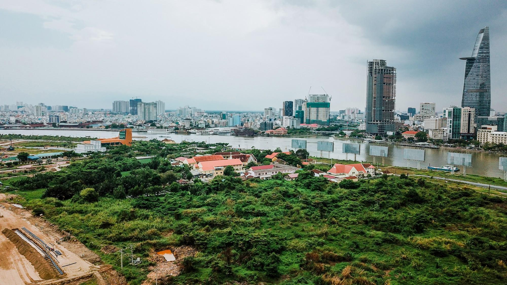 Cận cảnh khu đất vàng tại Thủ Thiêm, nơi dự kiến xây nhà hát giao hưởng 1.500 tỷ đồng - Ảnh 4.