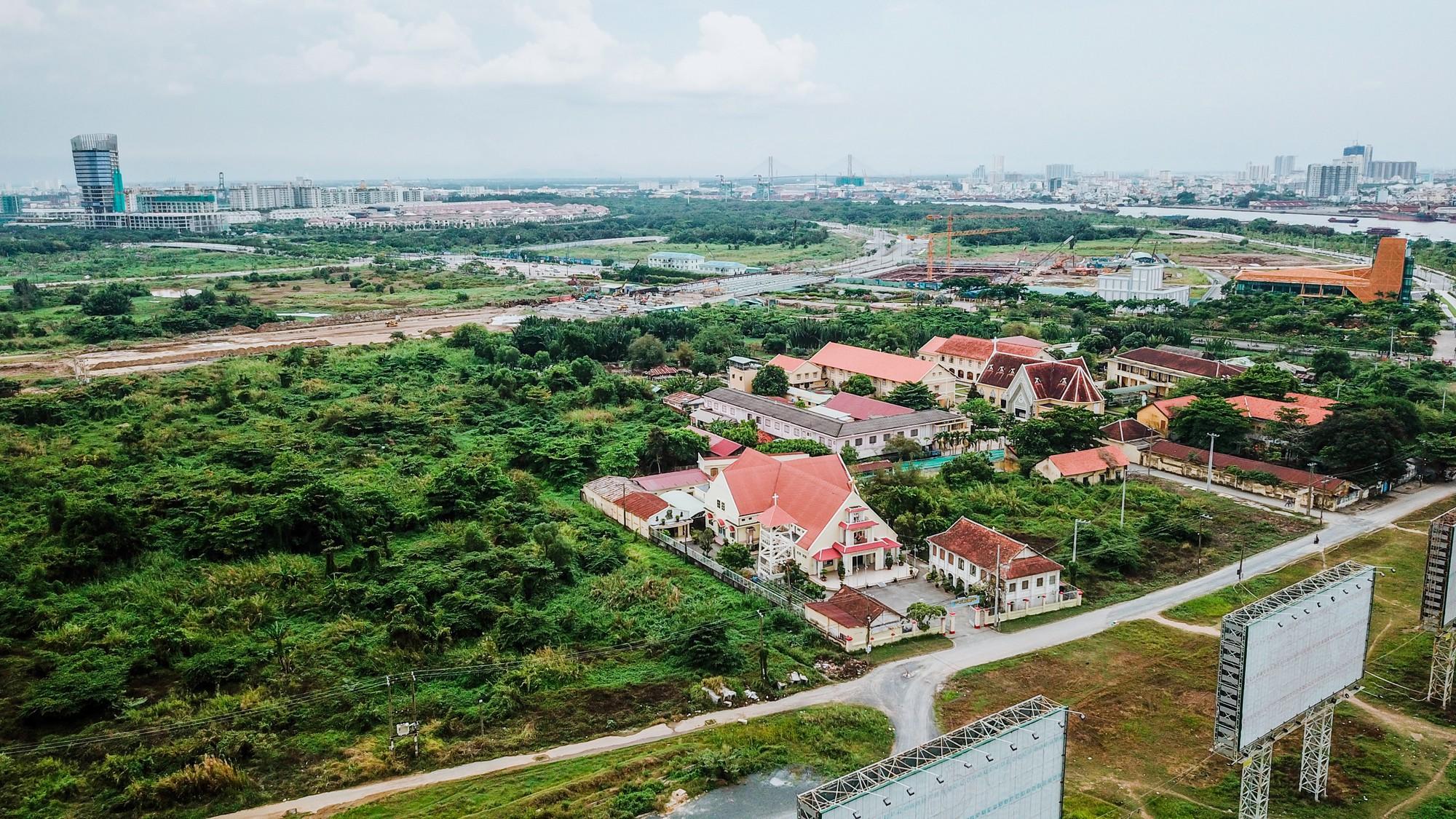 Cận cảnh khu đất vàng tại Thủ Thiêm, nơi dự kiến xây nhà hát giao hưởng 1.500 tỷ đồng - Ảnh 5.