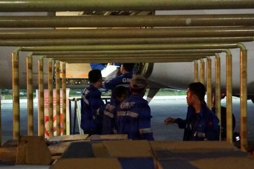 Chuyến bay cứu trợ nạn nhân động đất - sóng thần của Vietjet đã tới Indonesia - Ảnh 3.