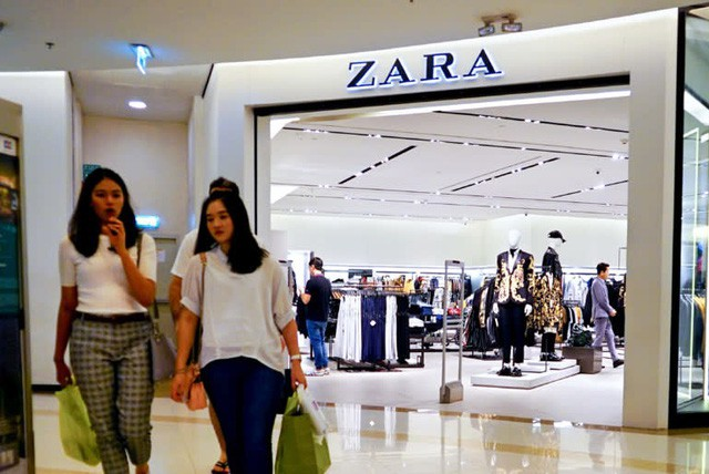 Uniqlo mở cửa hàng lớn nhất ĐNÁ ở Manila, quyết đấu Zara và H&M - Ảnh 1.