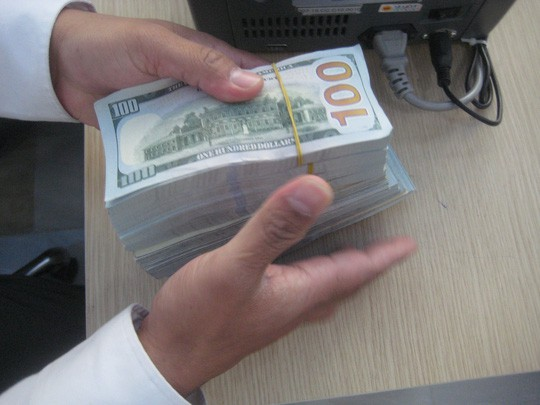 Ngân hàng thương mại mua 600 triệu USD từ Ngân hàng Nhà nước - Ảnh 1.