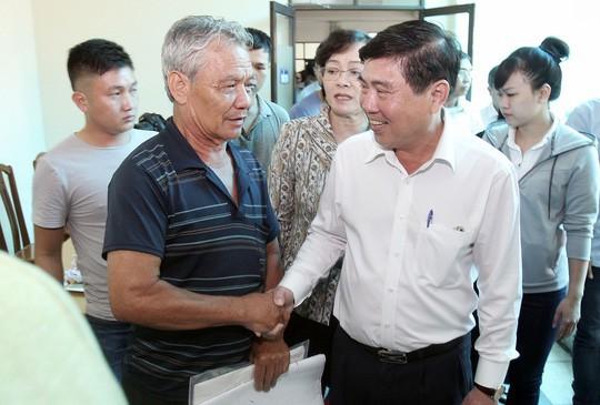 Chủ tịch UBND TP HCM làm việc có 50 hộ dân thuộc 3 phường ở Thủ Thiêm - Ảnh 1.