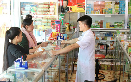 Người Việt cứ ốm là ra hiệu thuốc mua kháng sinh: Đại diện WHO cảnh báo nguy cơ đáng sợ - Ảnh 1.