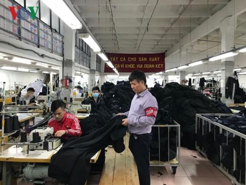 Hơn 10.000 lao động Việt Nam đang làm việc trong ngành dệt may tại Nga - Ảnh 1.